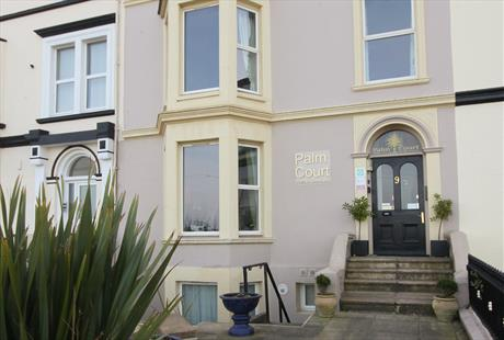 Palm Court Holiday Apartments, Llandudno